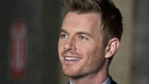 Rick Cosnett anuncia retorno na terceira temporada de The Flash