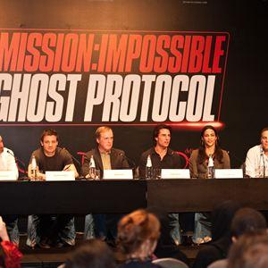 Missão Impossível - Protocolo Fantasma : Foto Brad Bird, Jeremy Renner, Paula Patton, Tom Cruise