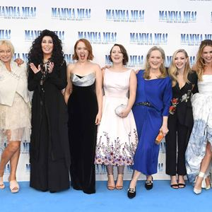 Mamma Mia! Lá Vamos Nós de Novo : Vignette (magazine) Alexa Davies, Amanda Seyfried, Benny Andersson, Cher, Christine Baranski
