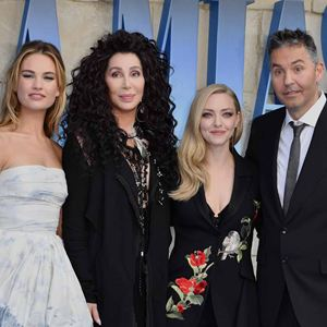 Mamma Mia! Lá Vamos Nós de Novo : Vignette (magazine) Amanda Seyfried, Cher, Lily James, Ol Parker