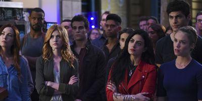 Shadowhunters é renovada para terceira temporada