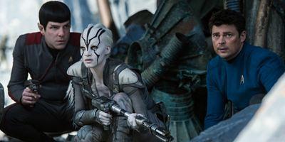 Filmes na TV: Hoje tem Star Trek: Sem Fronteiras e Águas Rasas