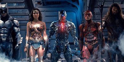 Liga da Justiça: Sinopse voltada para linha de brinquedos coloca Mulher-Maravilha como protagonista