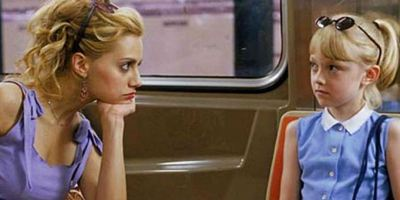 Dakota Fanning relembra parceria com Brittany Murphy em Grande Menina, Pequena Mulher