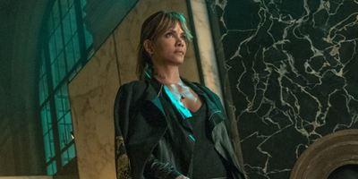 Halle Berry surge na primeira imagem oficial de John Wick 3