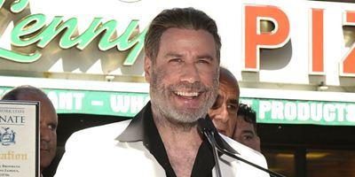 John Travolta é homenageado em Nova York na pizzaria de Os Embalos de Sábado à Noite