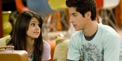 Os Feiticeiros de Waverly Place: Selena Gomez e David Henrie se reencontram durante feriado