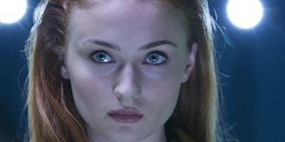 X-Men - A Fênix Negra: Sophie Turner quer fazer parte dos Vingadores