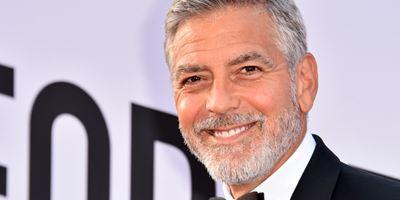 George Clooney sofre acidente durante as filmagens da série Catch-22