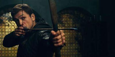 Robin Hood - A Origem: Jamie Foxx ensina Taron Egerton a ser um lendário ladrão em novo trailer