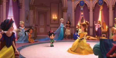 WiFi Ralph: Princesas da Disney abandonam vestidos e assumem novos looks em foto da sequência de Detona Ralph