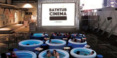 Cinema na banheira? Filmes de sucesso são exibidos em festival inusitado em Tóquio