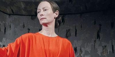Suspiria: Tilda Swinton é uma diva do terror na nova foto do remake de Luca Guadagnino
