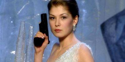 Rosamund Pike recusou tirar a roupa em teste para ser Bond Girl