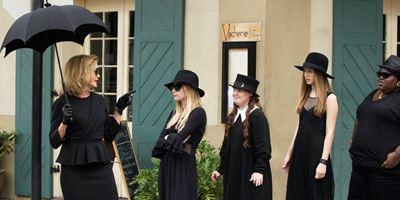 As bruxas estão de volta na primeira foto de American Horror Story: Apocalypse!