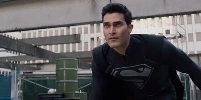 Elseworlds: Superman aparece com uniforme preto em trailer do crossover de Arrow, The Flash e Supergirl