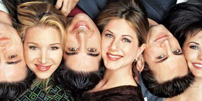 Friends: Jennifer Aniston revela que os homens do elenco estão impedindo o retorno da série