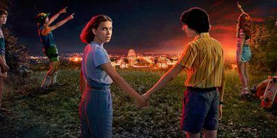 Stranger Things: Terceira temporada ganha data de estreia e cartaz no clima do Ano Novo