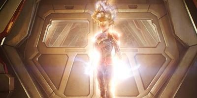 Brie Larson divulga foto de Capitã Marvel e zoa Mark Ruffalo