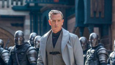 Robin Hood: Ben Mendelsohn surge como o Xerife de Nottingham nas imagens inéditas do filme