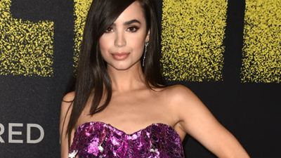 Estrela de Descendentes, Sofia Carson é escalada para o spin-off de Pretty Little Liars