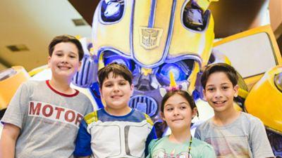 Bumblebee: Transformer amarelinho conquista fãs em pré-estreia