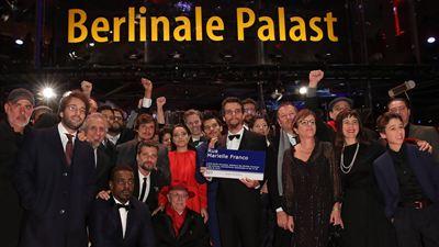 Festival de Berlim 2019: Wagner Moura exibe placa de Marielle Franco em tapete vermelho de Marighella