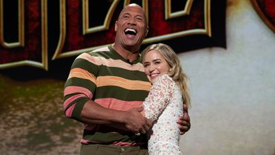 Netflix compra novo filme de The Rock e Emily Blunt
