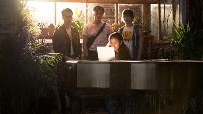 Julie e os Fantasmas: Versão da Netflix para a série brasileira ganha teaser e imagens