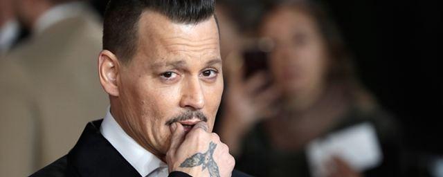 Johnny Depp alega legítima defesa para justificar agressão em set
