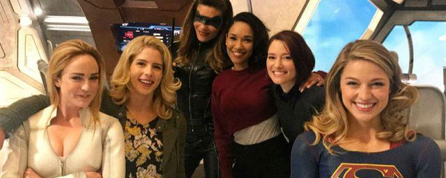 Atrizes do 'Arrowverse' desejam crossover só com personagens femininas
