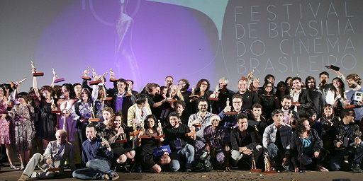 Exilados do Vulcão é o grande vencedor do Festival de Brasília 2013