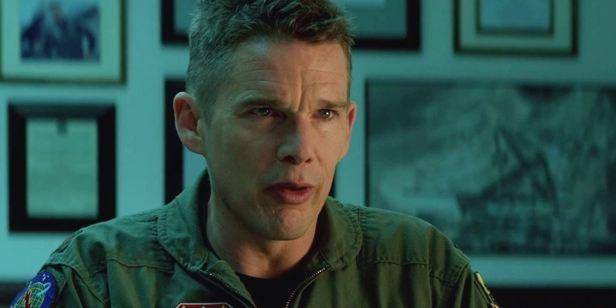 Ethan Hawke vive piloto de drones com dilemas morais no novo trailer de Good Kill