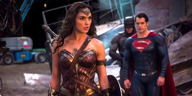 Filmes na TV: Hoje tem Batman Vs Superman - A Origem da Justiça e Como Eu Era Antes de Você