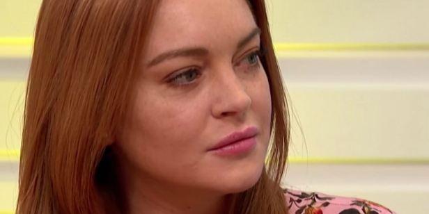 Lindsay Lohan sai em defesa de Harvey Weinstein, acusado de assediar atrizes sexualmente