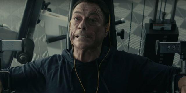 Jean-Claude Van Damme zoa sua própria carreira em trailer de nova série