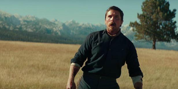 Hostiles: Christian Bale é prisioneiro do implacável Velho Oeste no trailer do filme de Scott Cooper