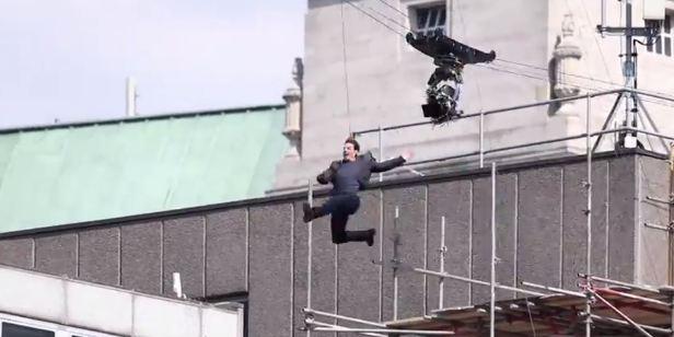 Tom Cruise regrava cena na qual se machucou em Missão Impossível 6