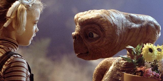 Dicas do Dia: E.T. - O Extraterrestre  e Viagem ao Centro da Terra - O Filme estão na TV