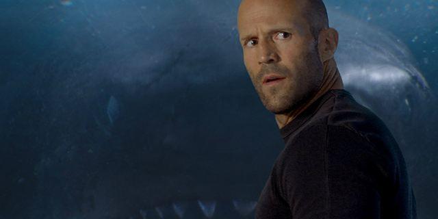 Jason Statham, suspense e terror nos mares no trailer de Megatubarão (Exclusivo)