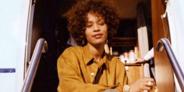 Documentário sobre Whitney Houston ganha trailer
