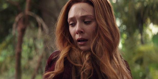 Elizabeth Olsen quer traje com menos decote para a Feiticeira Escarlate nos próximos filmes da Marvel