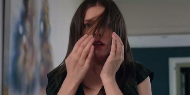 Um Pequeno Favor: Drama com Blake Lively e Anna Kendrick ganha novo teaser