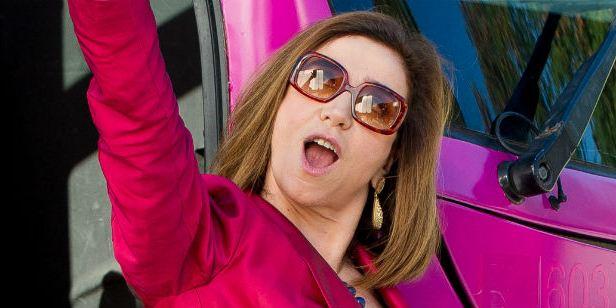 Marisa Orth exalta a loucura e o 'lado trash' de Sai de Baixo - O Filme (Exclusivo)