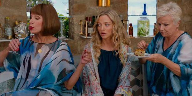 Mamma Mia! Lá Vamos Nós de Novo: Amanda Seyfried, Christine Baranski e Julie Walters cantam 'Angel Eyes' em novo clipe
