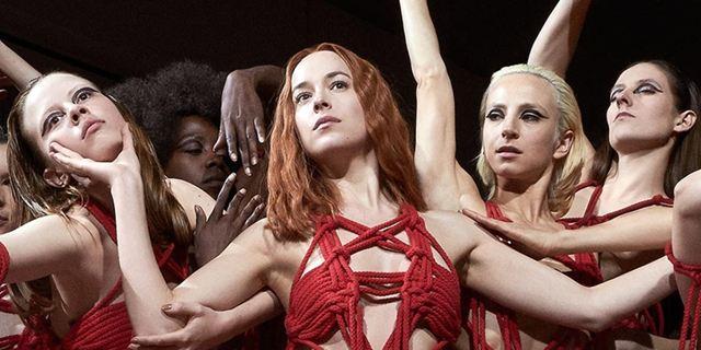 Suspiria: Refilmagem de Luca Guadagnino ganha nova imagem perturbadora