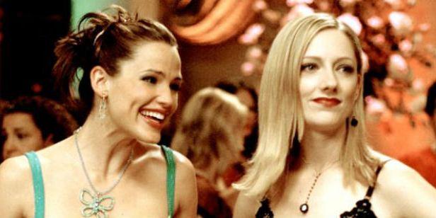 Jennifer Garner promove reencontro de De Repente 30 ao receber estrela na Calçada da Fama