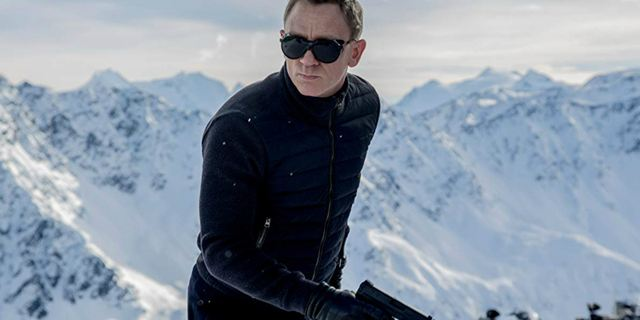 Bond 25: Roteiristas da franquia vão escrever nova história após saída de Danny Boyle