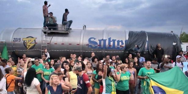 Festival de Brasília 2018: Em Bloqueio, greve de caminhoneiros ilustra Brasil que não se sente representado pelos políticos