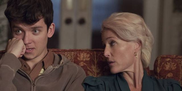 Sex Education: Gillian Anderson e Asa Butterfield são mãe e filho em trailer da nova comédia da Netflix